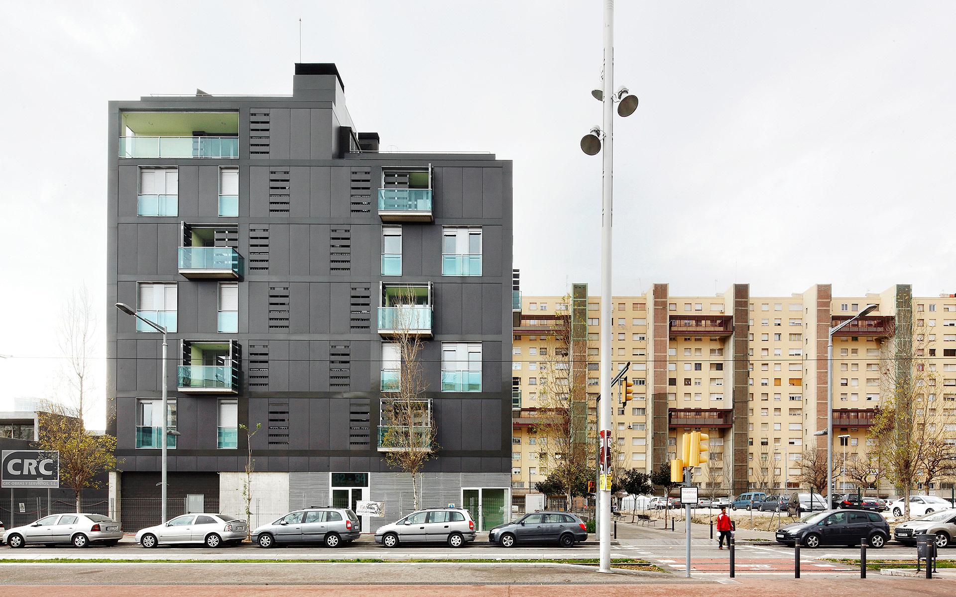 Vivas-Arquitectos_La-Mina_01-pro